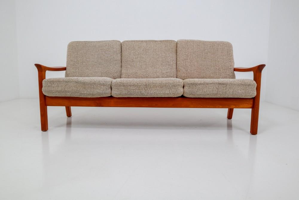 Marvelous Scandinavian Modern Teak Sofa In Teak By Juul Kristensen And Unemploymentrelief Wooden Chair Designs For Living Room Unemploymentrelieforg